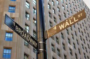 Phố Wall mở cửa cao hơn dẫn đầu bởi cổ phiếu năng lượng